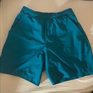 Sz small Lulu pacebreaker shorts